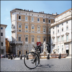 25×25 cm Bici a Piazza Navona.