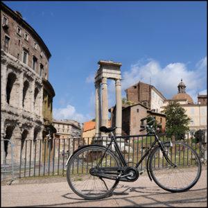 25×25 cm Bici davanti al Ghetto di Roma.