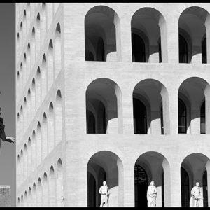 70×35 cm EUR, Palazzo delle Esposizioni in bianco e nero.