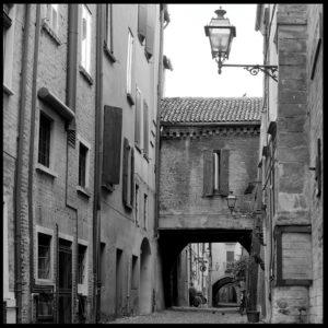 25×25 cm Scorcio di Via delle Volte in solitaria.