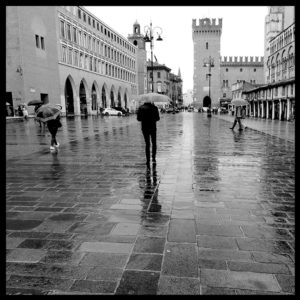 25×25 cm Scorcio di Piazza Trento e Trieste con pioggia.