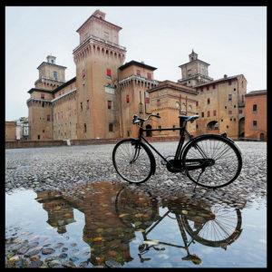 25×25 cm Bici al Castello Estense.